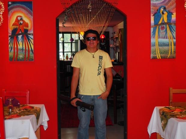 Efraín at Art Cafe in Boquete